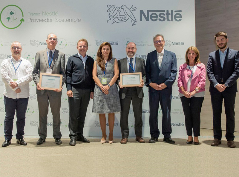 """Nestlé premia Servycat per la seva contribució a la societat a través de la seva iniciativa """"Menja Bé ... estiguis on estiguis!"""